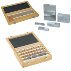Gauge blocks individually or in a set made of steel, tungsten carbide or cerami. Gauge blocks according to DIN EN ISO 3650 in accuracy grade K, 0, 1 or 2.,  Gauge block special sets for caliper or micrometer and Accessories for gauge block for example optical flats, holder, service kit-set and more.